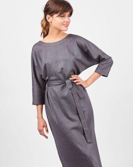 ae0be03dad6 12Storeez Платье миди с вырезом и пуговицами сзади (темно-серый)