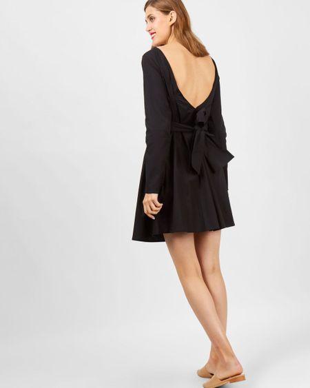 a9c7d56b214 12Storeez Платье мини с бантом на спине (черное)